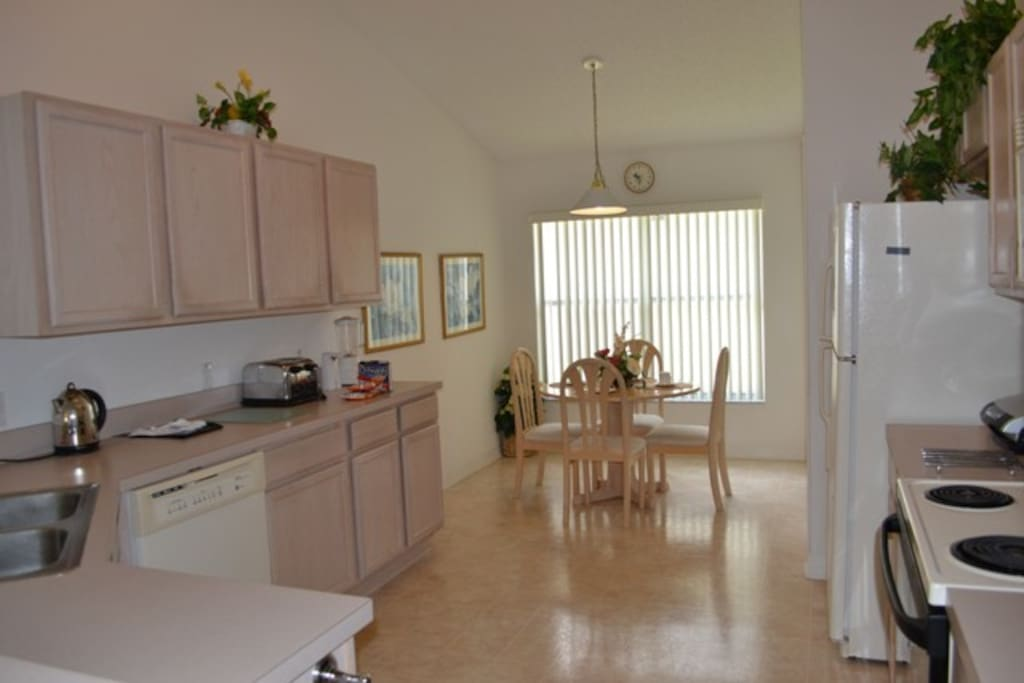 Fully Equipped Kitchen & Nook