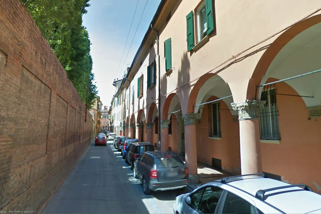 The apartment is located in Via Fondazza, in the historic center of town. Walk everywhere, you will not need a car
