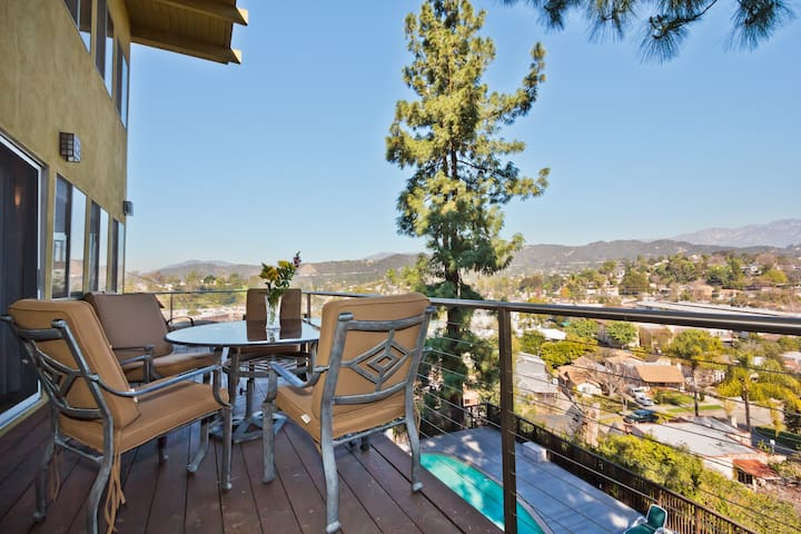 Beautiful Eagle Rock Views! - Los Angeles - House