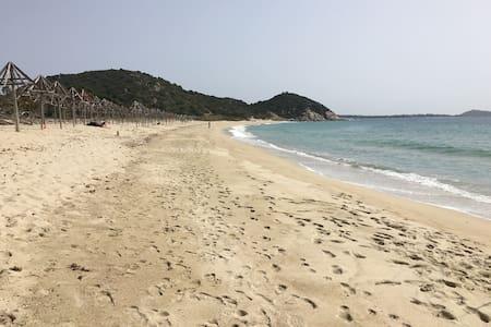 Villa al mare in Sardegna con giardino privato - Villasimius