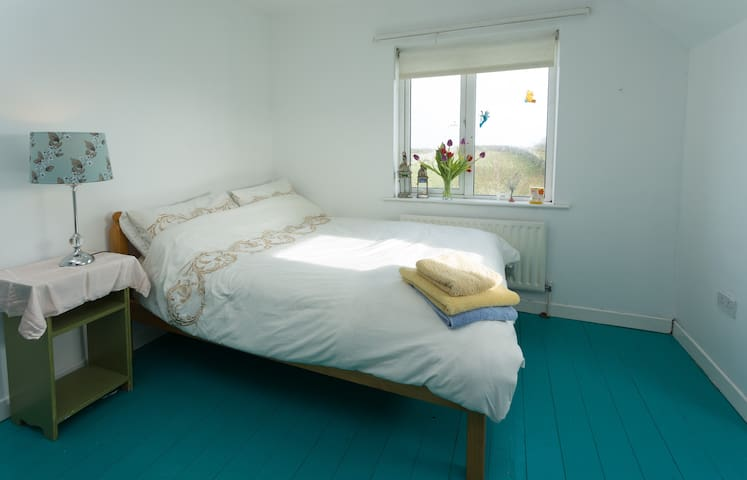 Seaside retreat, inverin galway - Inveran - Дом