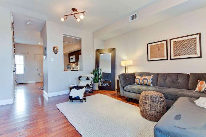 Cozy & Private Bedroom and Bath in NE DC