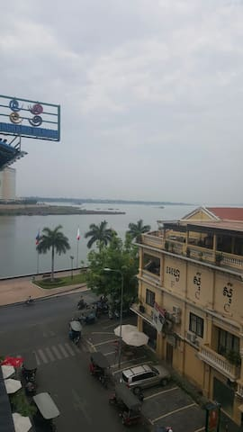 Riverside Studio BnB Great Views - Phnom Penh - Apartamento