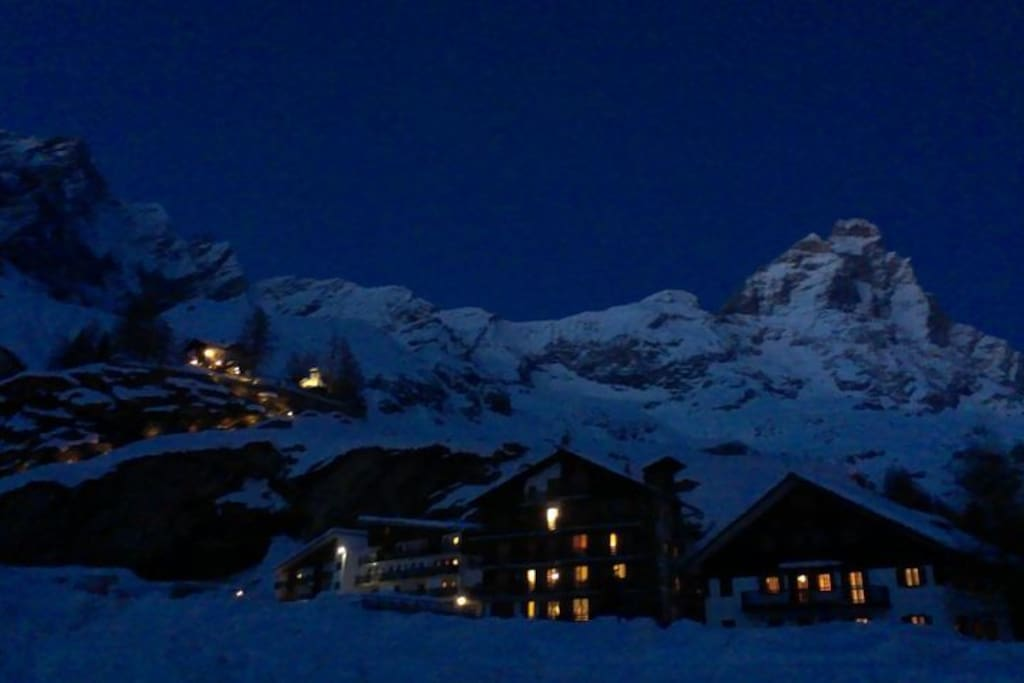 the village of Cervinia is at 2000 meters, so the snow is guarantee, but also ice and sideral temperatures!!!