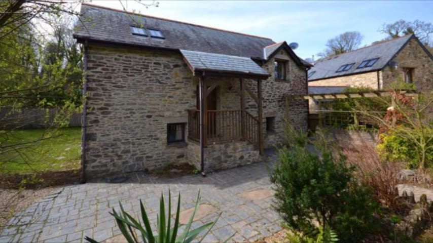 Detached Barn in Idyllic Rural Location - Brixton - Daire