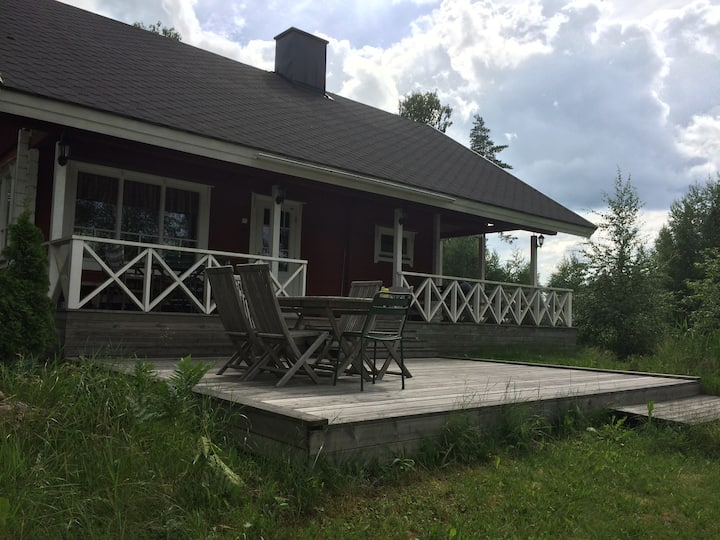 Summer cottage by the lake on Gårdskulla Manor