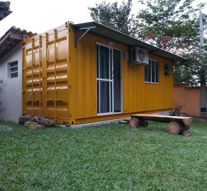 Casa /chalé container na praia em São Sebastião SP