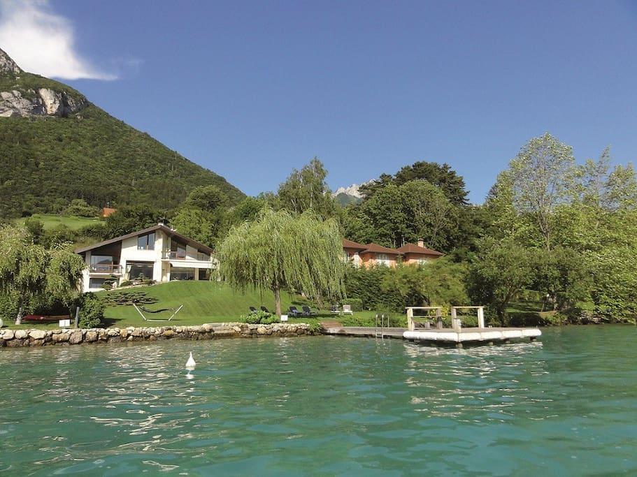 5 star waterfront villa 10p annecy villas for rent in veyrier du lac rhone alpes france. Black Bedroom Furniture Sets. Home Design Ideas