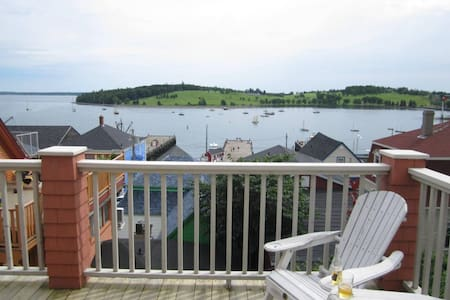 Ocean View Loft Overlooking Harbour - Lunenburg - Loftlakás