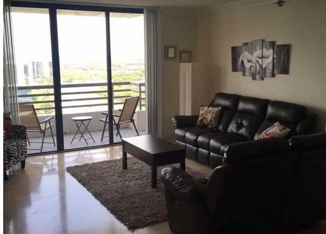 Aventura area  3 bed/2 bath