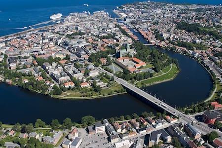 Midt i sentrum av Trondheim - Trondheim