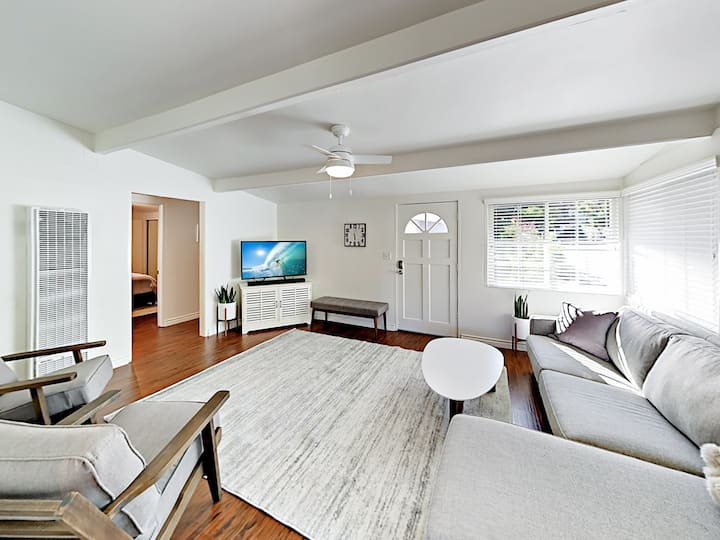 New Remodel! Central Locale Near Downtown & Beach