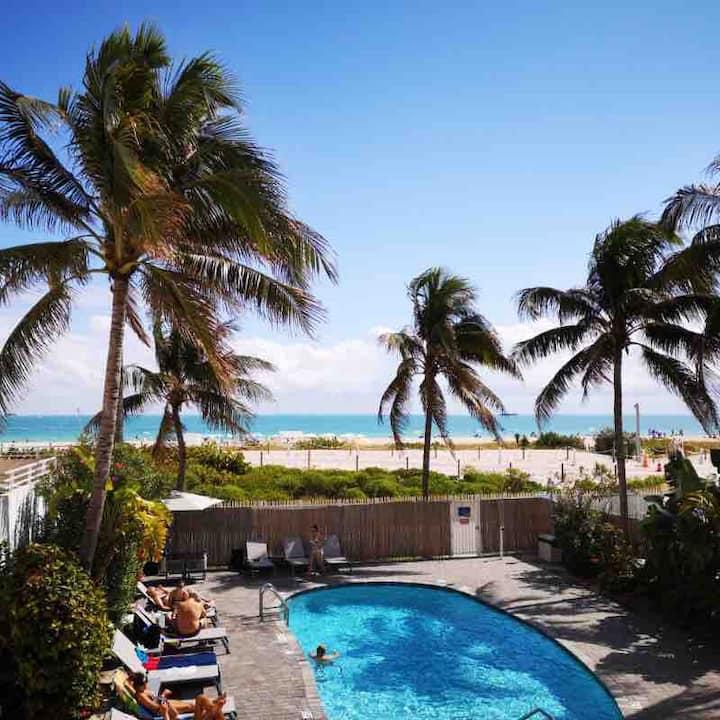 Ocean Front South Beach Modern great  ValueStudio