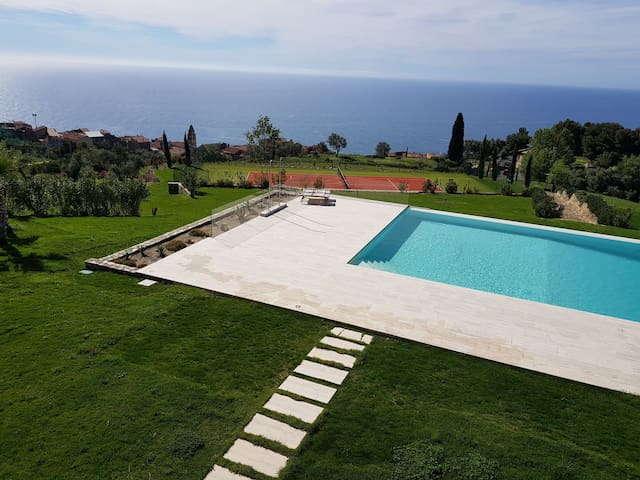 Appartamento padronale in villa con infinity pool