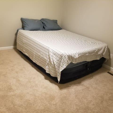 Simple Clean Private Room