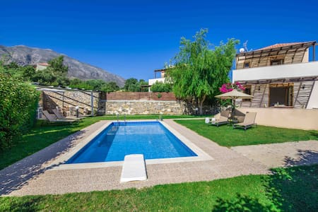 Gasparakis villas Lida Two Bedroom Suite Villa - Lefkogeia - Villa