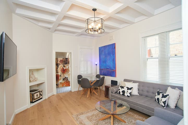 Stylish Spacious Waterview nr Sydney Opera House