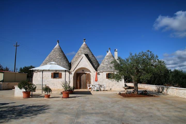 Trullo 5 cones Villetta Nina - Caranna - House