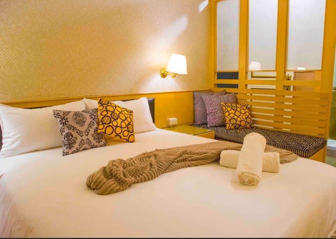 Taipei Songshan台北小巨蛋一分鐘日式特色套房 Double room 消毒單床雙人房