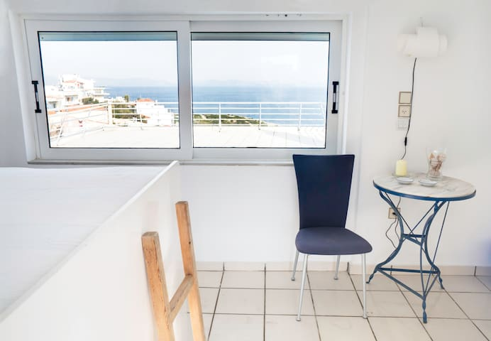 Sea top floor small studio Rafina