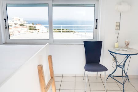 Sea top floor small studio Rafina - Rafina