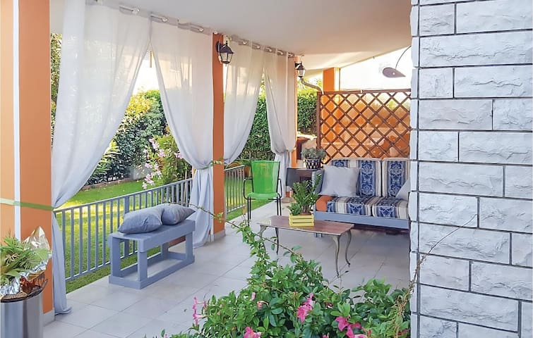 Holiday apartment with 2 bedrooms on 40m² in Capezzano Pianore -LU-