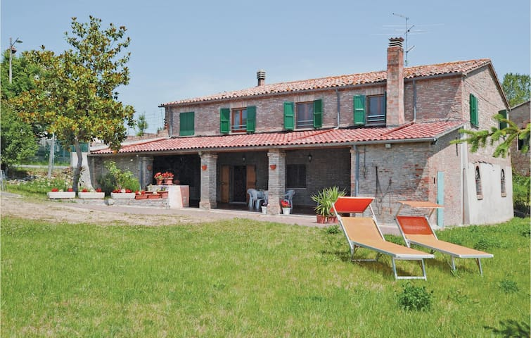 Holiday cottage with 4 bedrooms on 200 m² in Rimini (RN)
