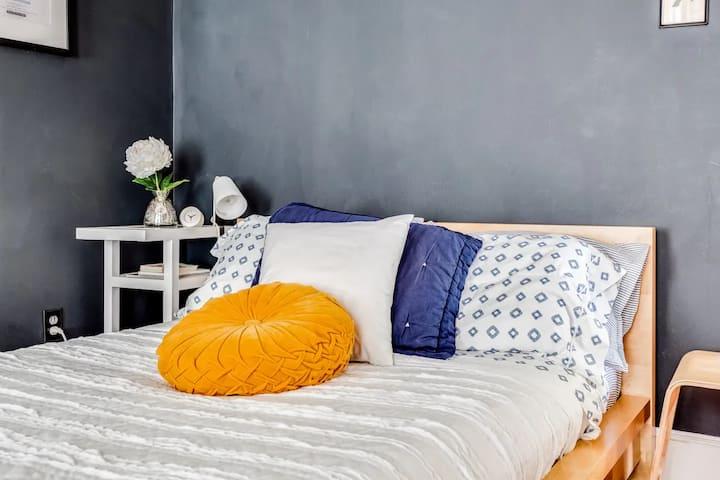 Cozy Private Bedroom in Westville, Dog Friendly