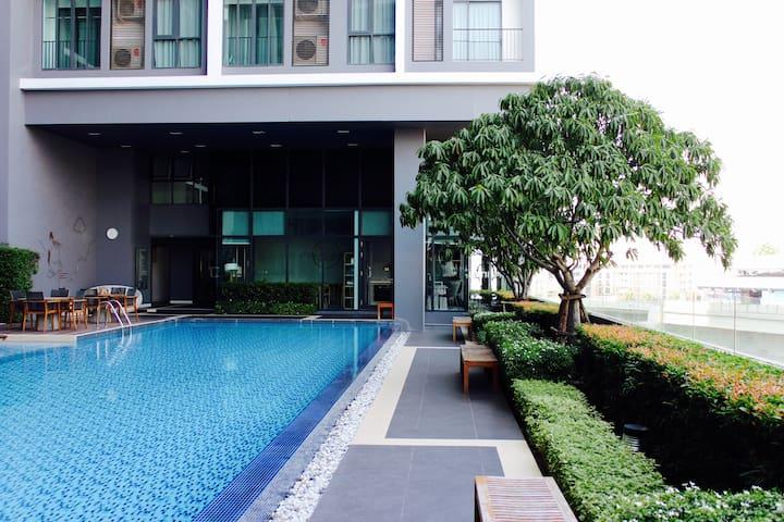 NEW Bangkok view 2 bedrooms Apartment next to BTS - Bangkok - Apartamento