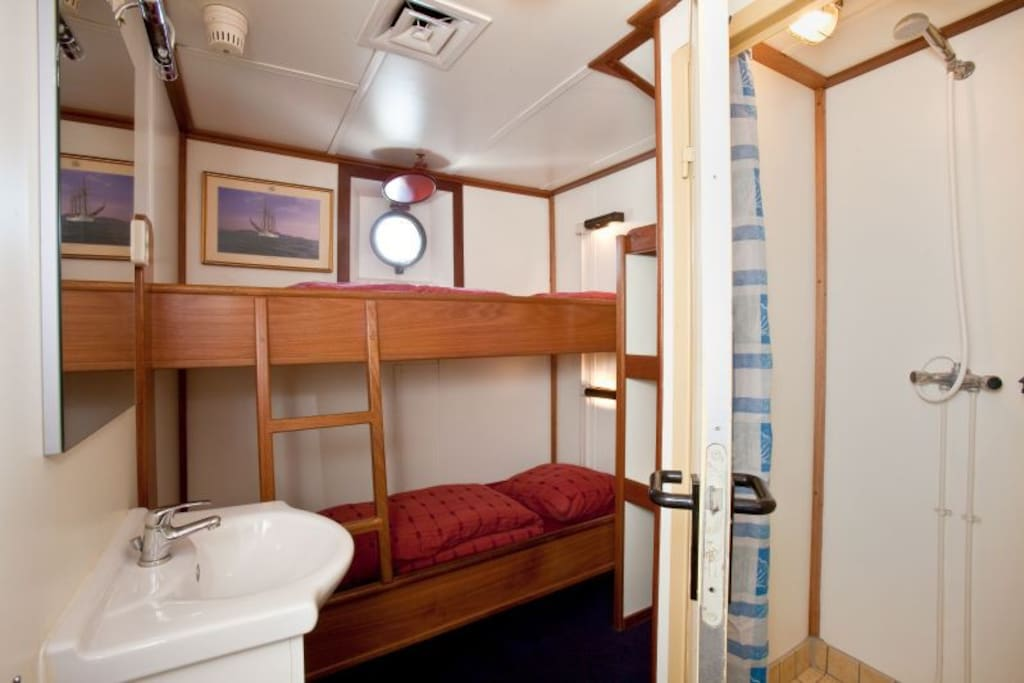 Cabin for 2 persons with private shower