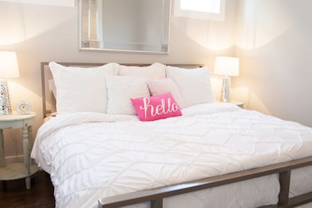 NEW AIRBNB 5 MILES FROM DOWNTOWN NASHVILLE!! - Nashville