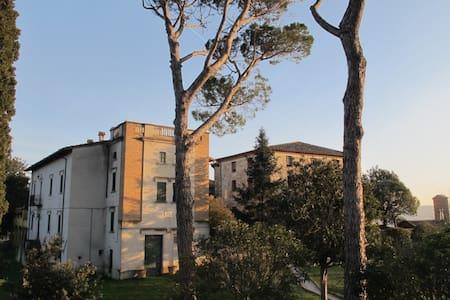Camera tripla in raffinata Villa di campagna ,Todi - Todi