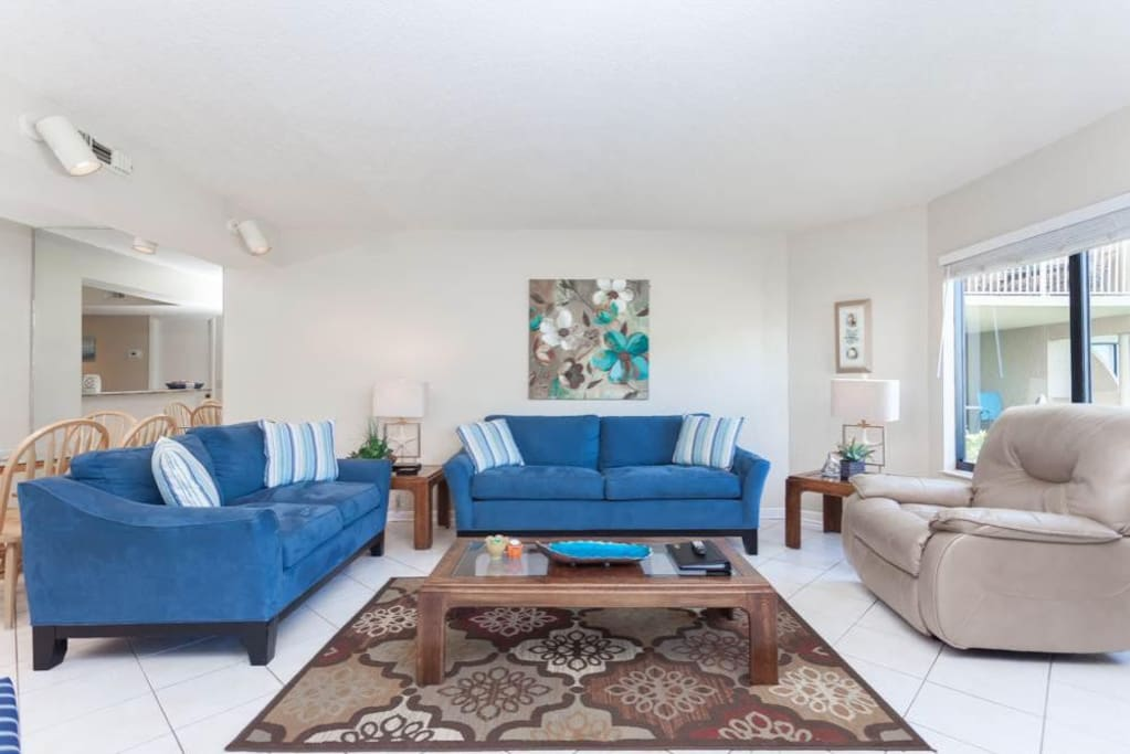 Comfortable Living - You will immediately feel at home in the comfortable furniture and large living area you'll find inside Colo