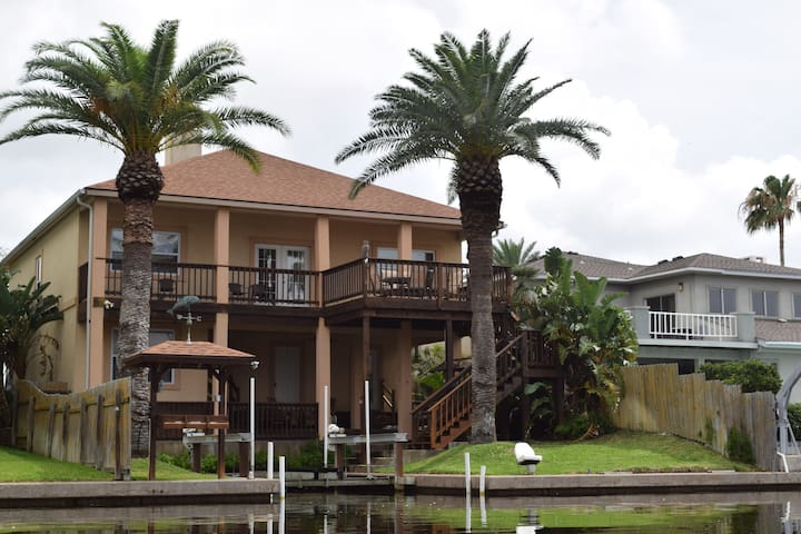 Canal-Side Luxury with Private Boat Lift & More! - City-by-the Sea