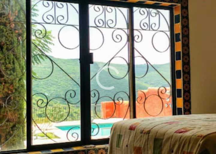 Habitación privada, alberca y vista panorámica.