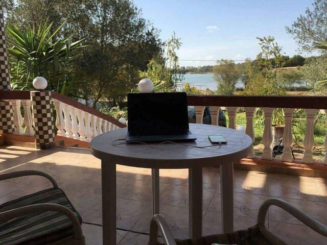 Villa au bord de lac près de Rabat