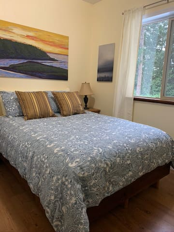 Private Bedroom 2 - Affordable cozy comfort