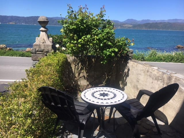 OCEAN FRONT, Beautiful views in KARAKA BAYS