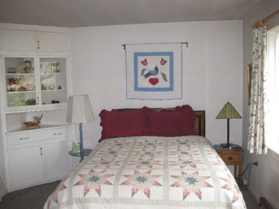 Bedroom, Berry Patch Cottage
