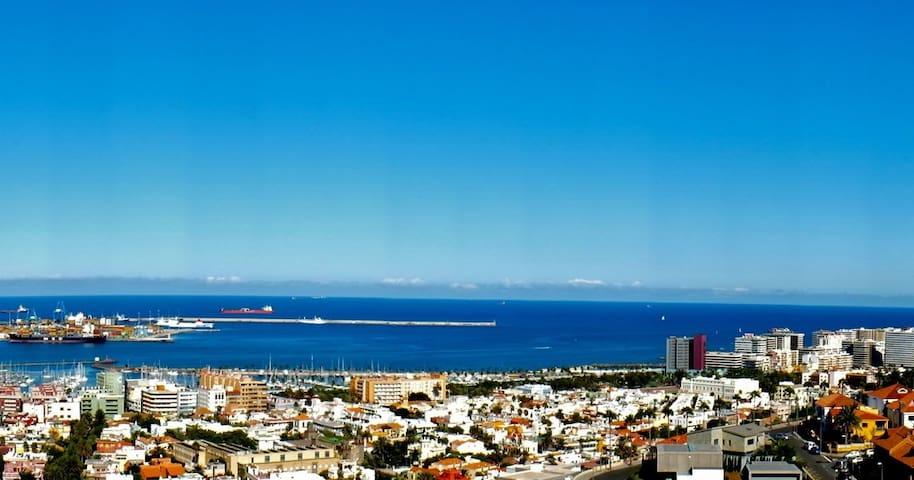 Amplia y comoda habitacion - Las Palmas de Gran Canaria - Bed & Breakfast