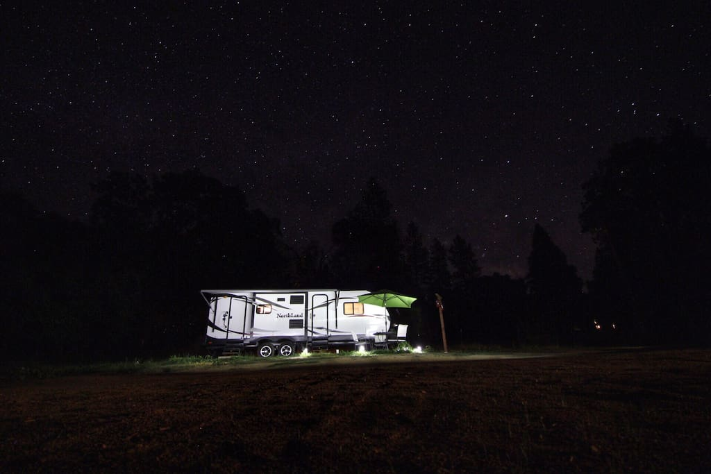 RV and stars at night, with thanks to Melvin from The Netherlands.