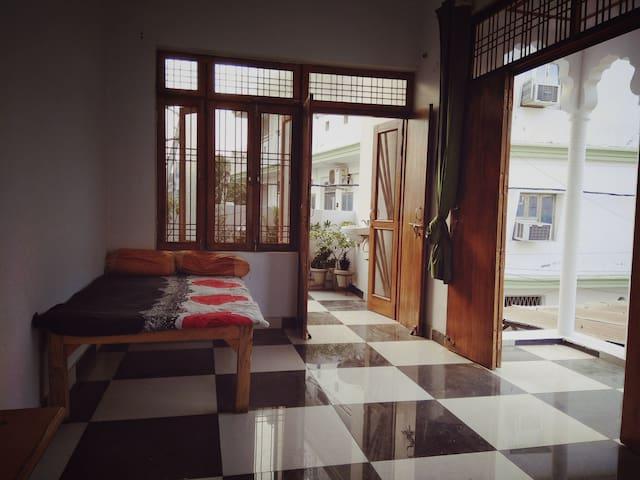Bhadarsa House, Near Era Medical, Hardoi Road