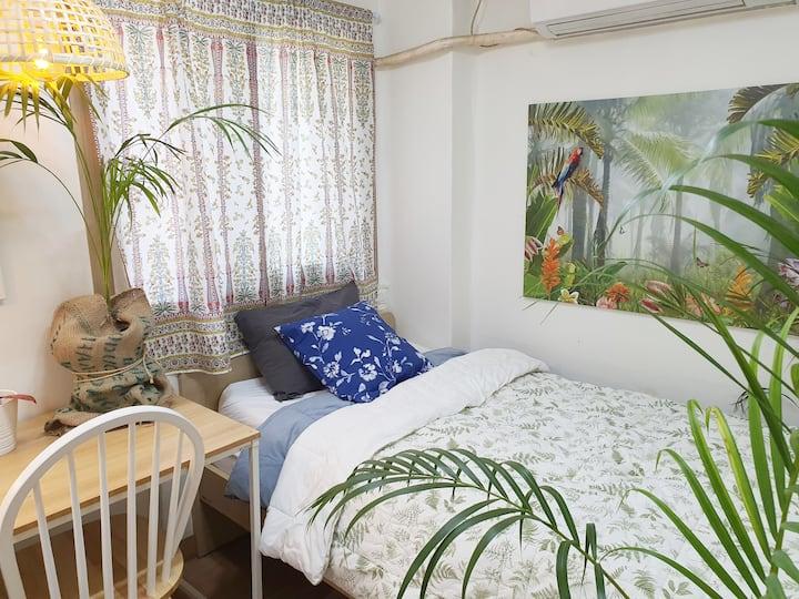 Cozy Home in Shinchon  Free Pocket Wifi. 3Max