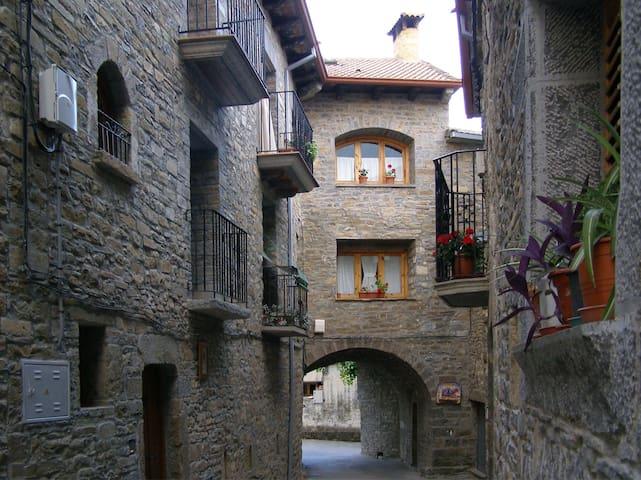 Casa completa, 3 habitaciones 5 pax - Camporrotuno - Hus