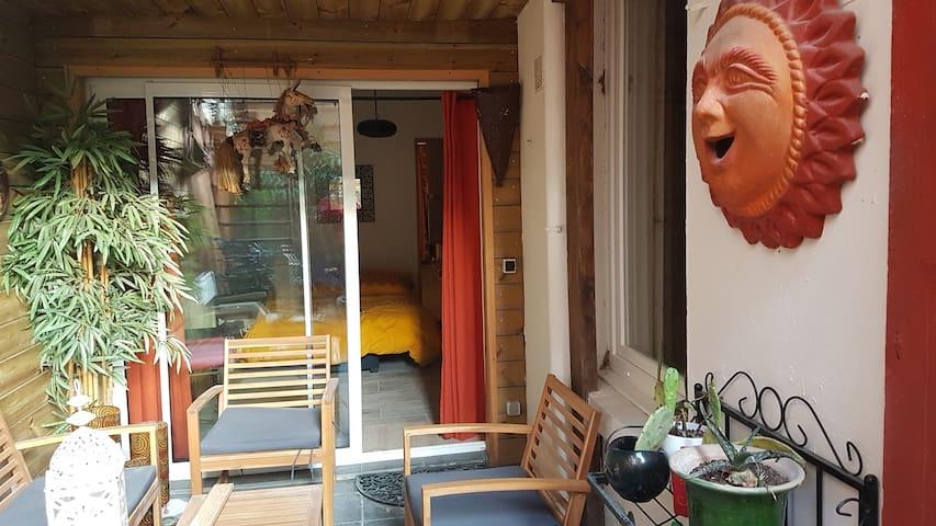 chambre/Sdb privée/terrasse/home cinéma/3 min gare