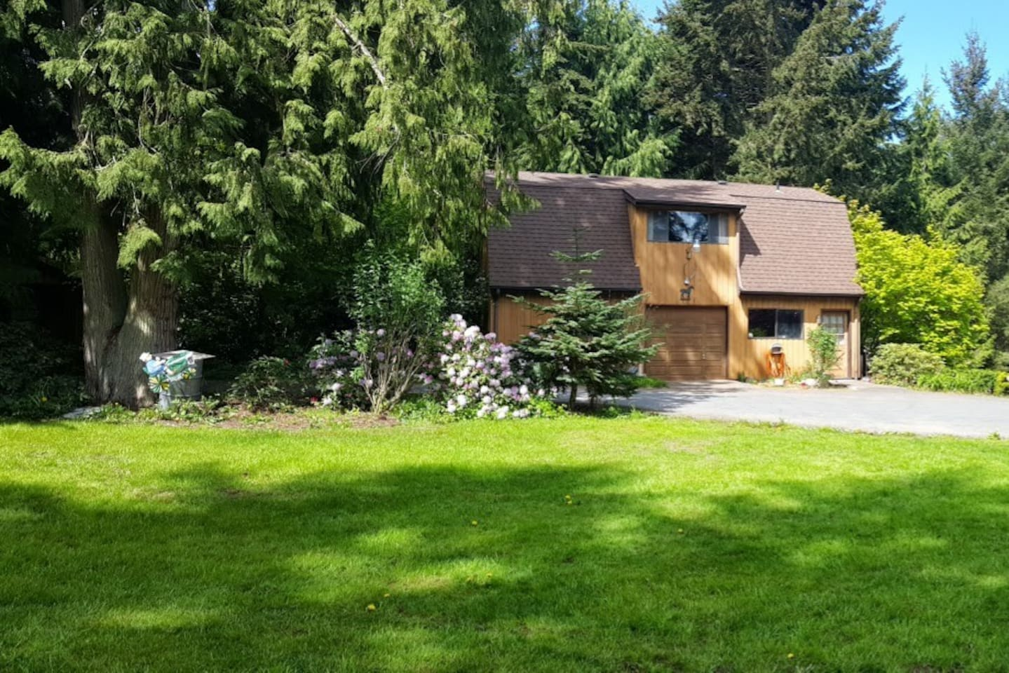 The Country Loft is located on a small, family run 5 acre farm in beautiful Sequim, WA.  The owners live in the main house on the property and are available to answer questions or provide assistance.