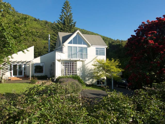 Tui's Roost - Waikanae - Bed & Breakfast