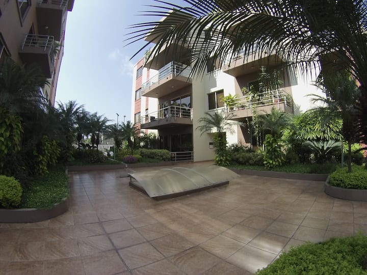 Nice Apartment  10 min to airport