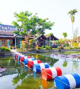 Cozy Place to Stay at Bamboo House Garut