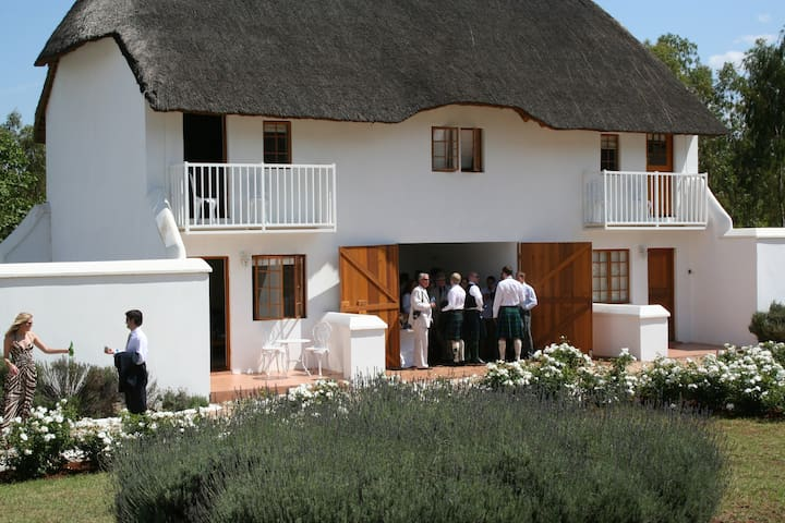 Gatehouse Cottage unit 5 - Magaliesburg - Chalet